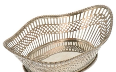 Bonbon basket oval model with openwork ajour open sawn sides and soldered pearl edge silver.