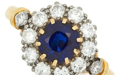 SAPPHIRE AND DIAMOND CLUSTER RING set with a round cut