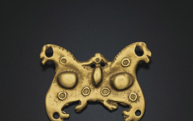 A RARE GOLD PLAQUE, NORTHEAST CHINA, 1ST CENTURY BC-3RD CENTURY AD