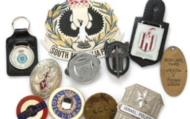 1907/5360: Collection of police badge signs and badges, etc., incl. Australia, Belgium, Canada, England, France, Holland, Israel, Italy and Switzerland, in total 11 pcs