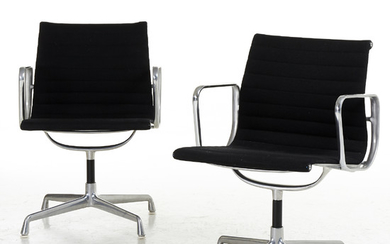 Charles & Ray Eames desk chairs, 1 pair