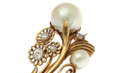 Just Andersen: A pearl and diamond brooch set with two cultured pearls and four old-cut diamonds, mounted in 14k gold. L. app. 4 cm.