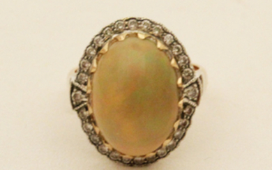 18K DIAMOND AND OPAL RING