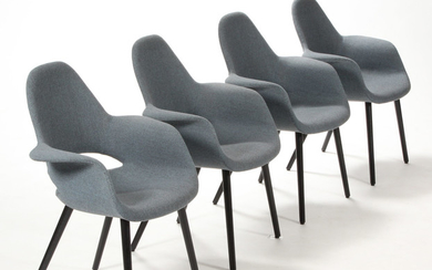 Charles Eames and Eero Saarinen. Four lounge chairs, Model Organic blue (4)