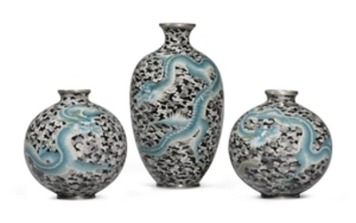 A SET OF THREE CLOISONNÉ VASES MEIJI PERIOD, LATE 19TH CENTURY