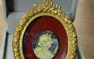 Italian Neoclassical Glazed Carved Cameo in Gided Metal