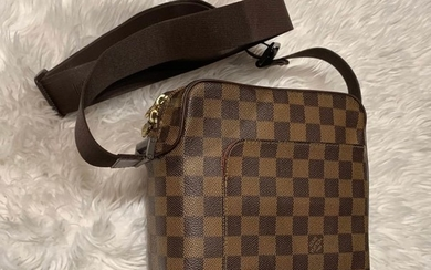 Louis Vuitton - Olav PM Crossbody bag