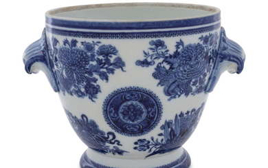 A Chinese Export Blue Fitzhugh Porcelain Jardiniere