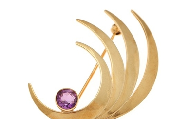 An ametyst brooch set with a circular-cut ametyst, mounted in 14k gold. 32×44 mm.