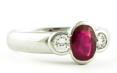 Exclusive Trilogy - 18 kt. White gold - Ring Ruby - Diamonds