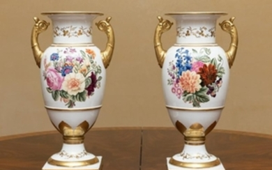 Chelsea House - Old Paris Style Urns