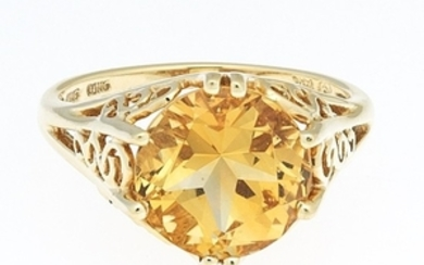 Ladies' Gold and Amber Citrine Ring