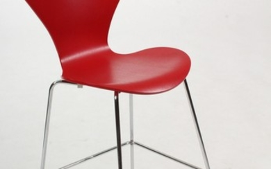 Arne Jacobsen. Barstol. Model 3197