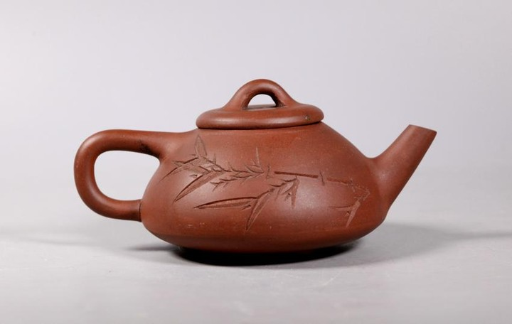 Fine Chinese 19 C Yixing Teapot on 3 Button Feet