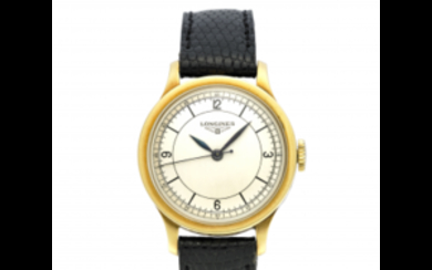 LONGINES Gent's 18K gold wristwatch 1940s Dial, movement and...