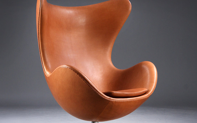 Arne Jacobsen. 'The Egg', early model, 1960s. Lounge chair with cognac-coloured Vacona aniline leather