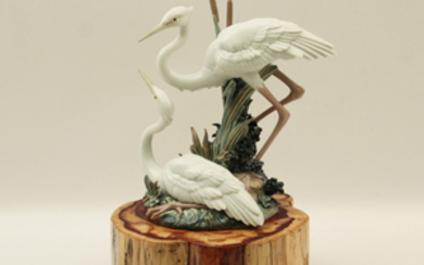 LLADRO PORCELAIN SCULPTURE OF 2 EGRETS W/ STAND