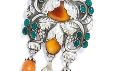 ANTIQUE AMBER AND GREEN AGATE