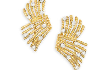 A PAIR OF DIAMOND EARCLIPS,...