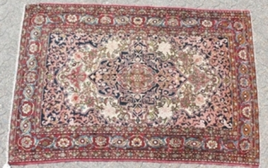 A GOOD PERSIAN ISFAHAN NAJAFABAD RUG with central motif