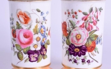 A PAIR OF EARLY 19TH CENTURY CONTINENTAL PORCELAIN