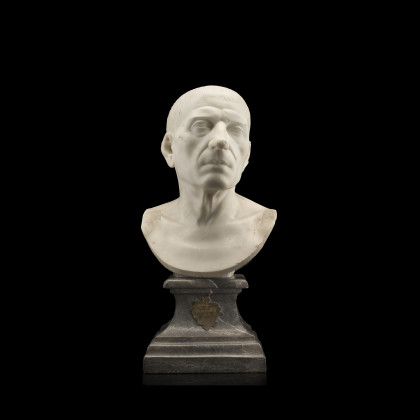 A marble bust depicting Marco Tullio Cicerone (h. cm...
