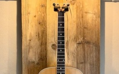 Taylor - 410 Ovankgol Amplificata - Acoustic Guitar - United States of America