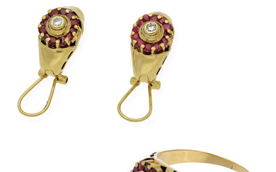 18 kt. Gold, Yellow gold - Earrings, Ring - 2.60 ct Ruby - Diamond