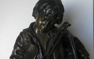 Léon Tharel (1858 - 1902)- Susse Frères Paris - Sculpture, a young sleeping violin player (1) - Bronze - late 19th century