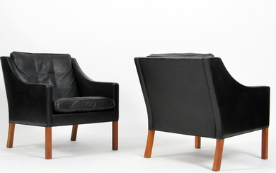 Børge Mogensen. A pair of lounge chairs, model 2207, leather (2)