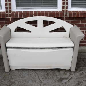 Lot Art Rubbermaid Patio Storage Bench