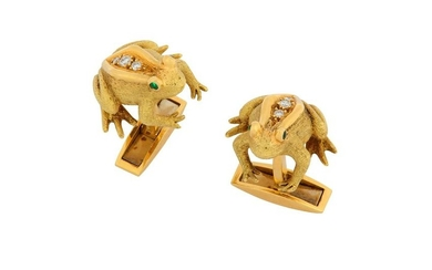 A pair of emerald and diamond frog cufflinks, by E.