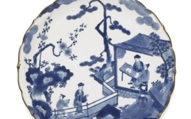 A PAIR OF KAKIEMON-STYLE DISHES EDO PERIOD, LATE 17TH CENTURY