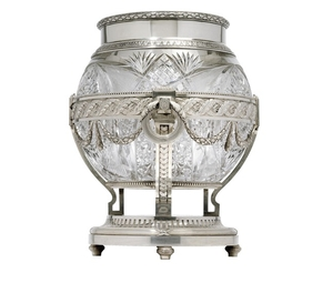 FABERGÉ - A large vase from Moscow,