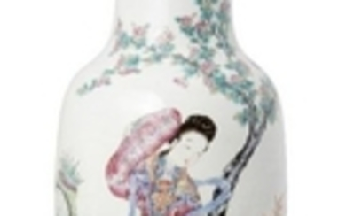 A large Chinese porcelain famille rose baluster...