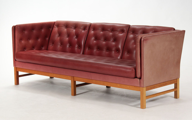 Erik Ole Jørgensen. Detached sofa, Model EJ-315/3