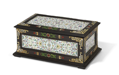 A FAMILLE ROSE PLAQUE-INSET ZITAN BOX AND COVER, THE PORCELAIN, 18TH-19TH CENTURY