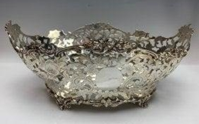 LARGE VICTORIAN RETICULATED STERLING SILVER CENTERPIECE