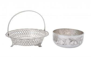 An Italian silver coloured shaped circular basket by Ronaldo Lucchesi