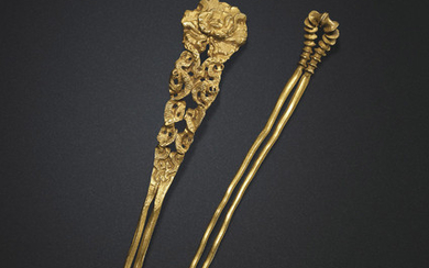 TWO GOLD HAIRPINS, SONG-YUAN DYNASTY (AD 960-1368)