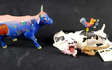 Lot of 2 Cow Parade Figurines Big Apple and Mixed Plate