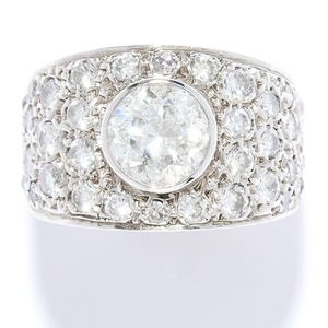DIAMOND DRESS RING in 18ct white gold, set with a round