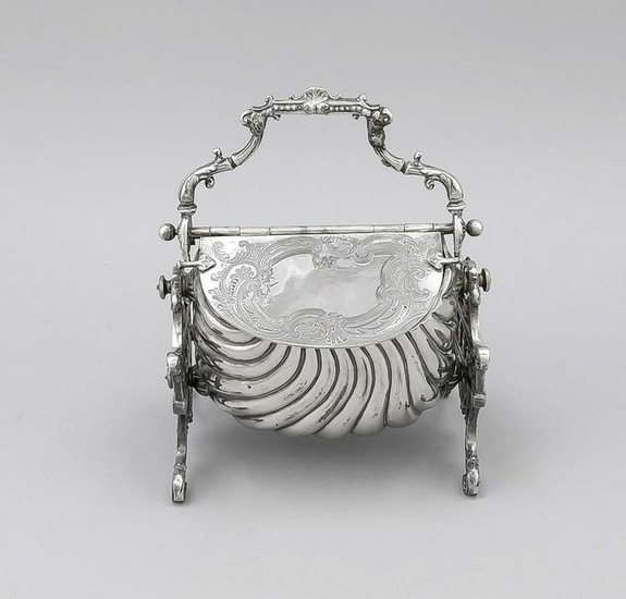 Table decoration, England, 20th century, plated, holder