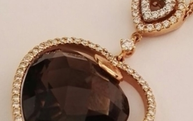 Pendant with double rolo link chain in 18 kt rose gold with brilliant cut diamonds for 0.71 ct, colour H, clarity VS, and heart cut smoky quartz with briolette faceting, approx. 11 ct