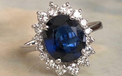 White gold - Ring - 3.00 ct Sapphire - Diamonds